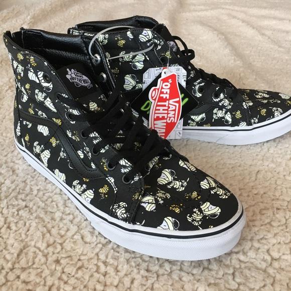 9eed730a957a1d NWT Vans x Peanuts (Snoopy) Sk8 Hi Zip